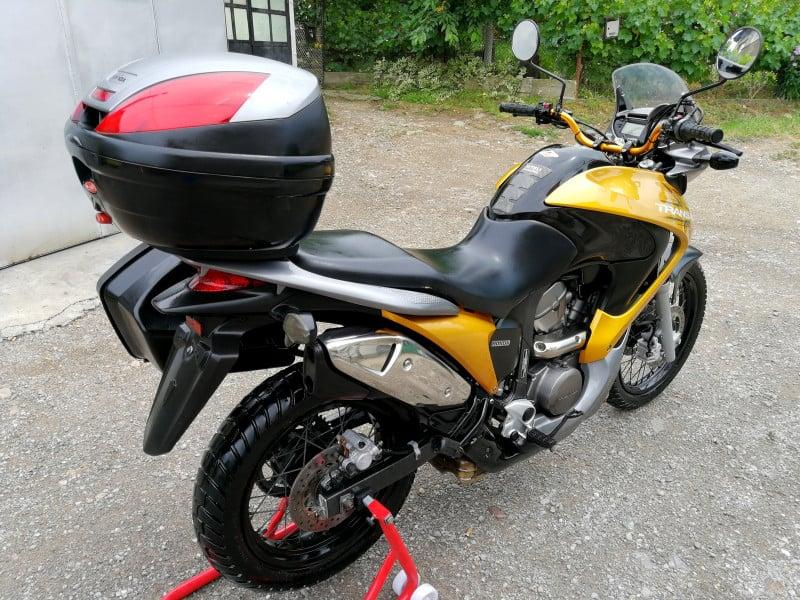 5- Honda Xlv