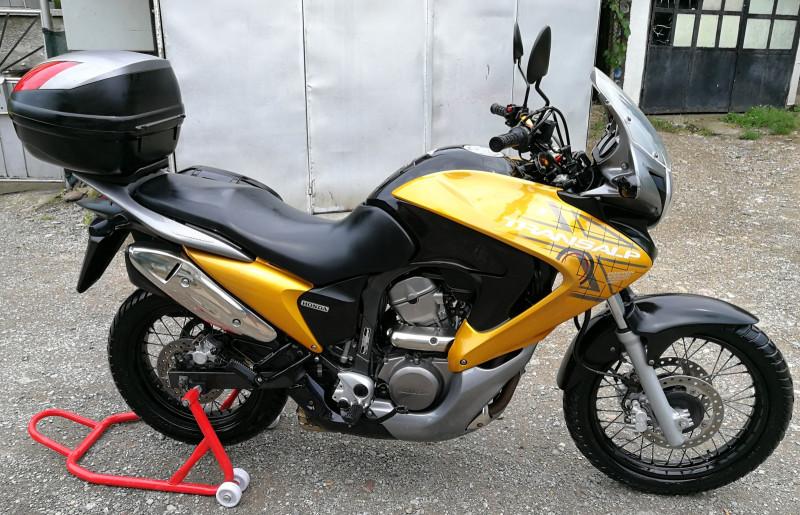 4- Honda Xlv