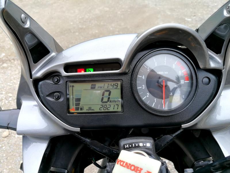 11- Honda Xlv