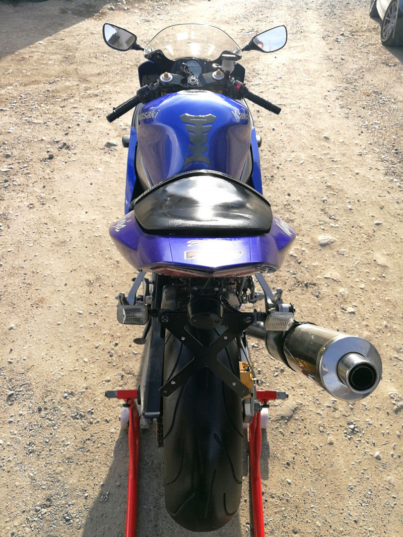 8- Kawasaki Zxr