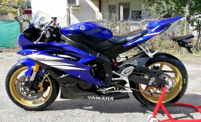 2- Yamaha YZF-R6