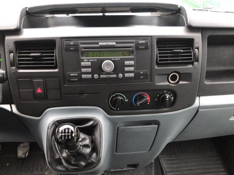 11- Ford Tranisit