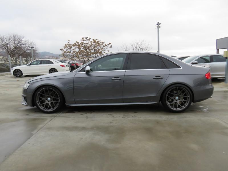 Audi S4 - image 8