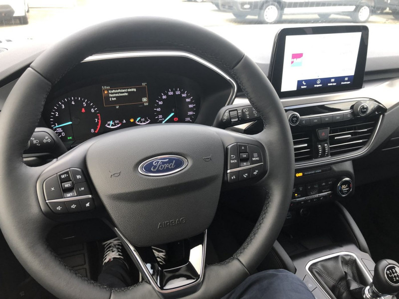 Ford Kuga - image 6