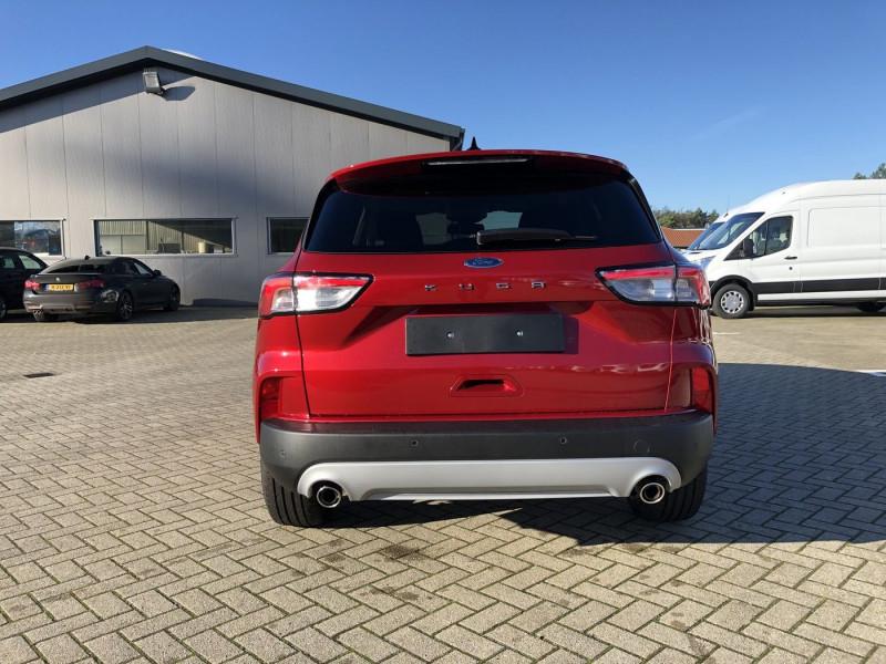 Ford Kuga - image 4