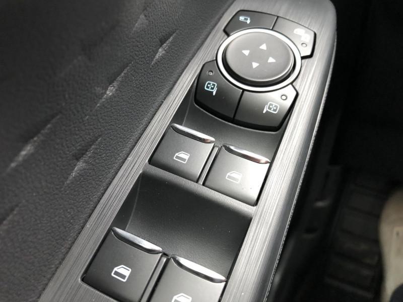 Ford Kuga - image 12