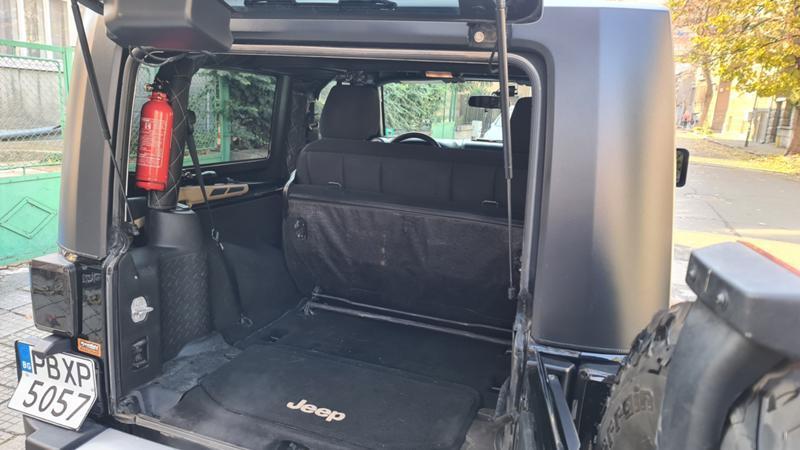 Jeep Wrangler - image 10