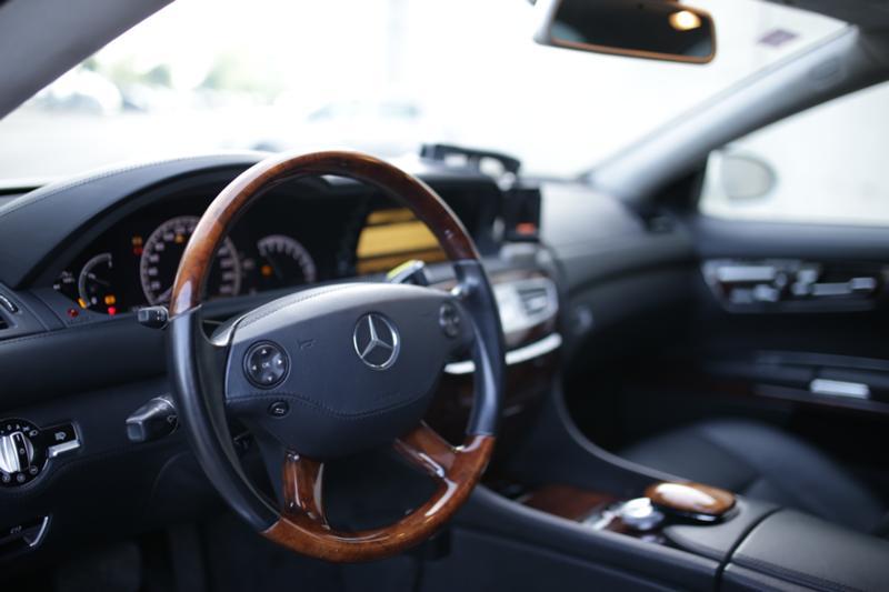 Mercedes-Benz CL 500 - image 13
