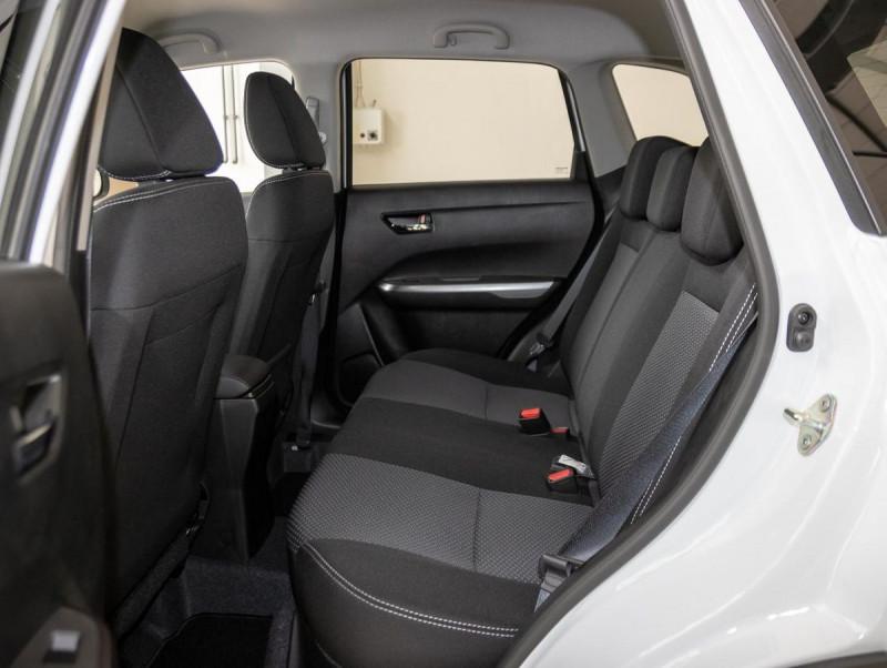 Suzuki Vitara - image 9