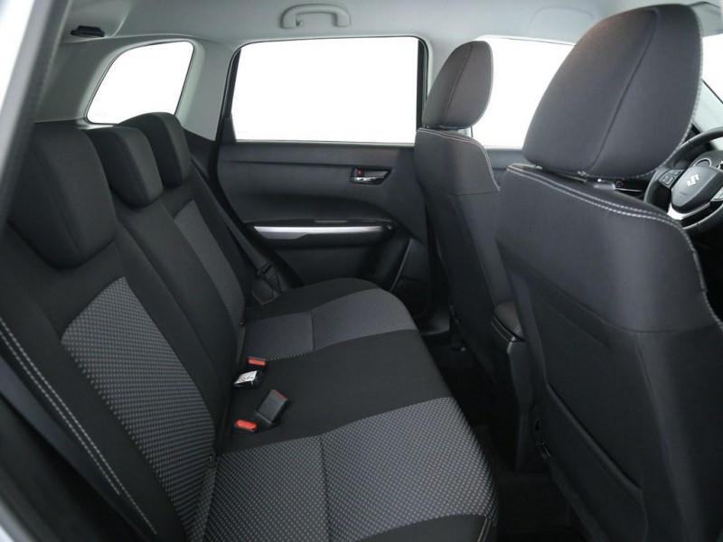 Suzuki Vitara - image 8