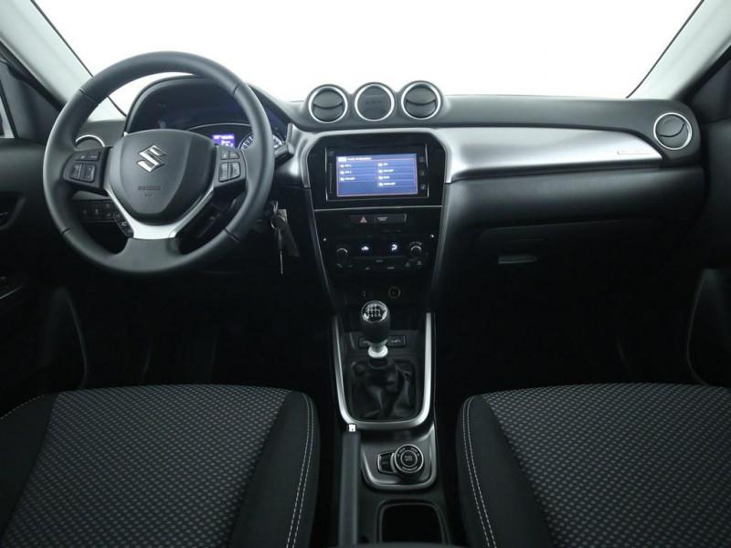 Suzuki Vitara - image 6