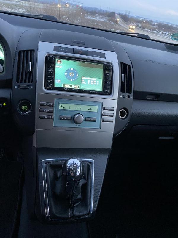 Toyota Corolla Verso - image 7