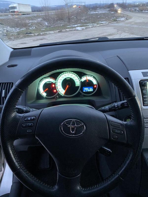 Toyota Corolla Verso - image 6