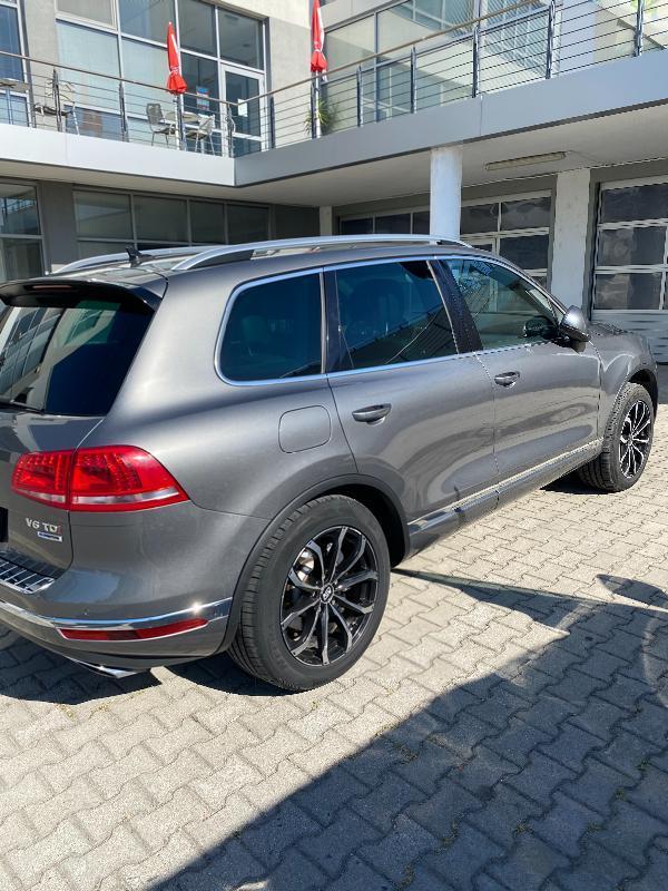 VW Touareg - image 2