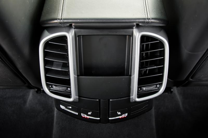 Porsche Cayenne - image 11