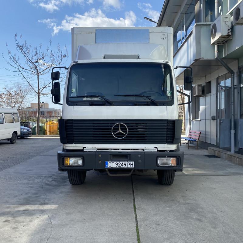 2- Mercedes-Benz 1719