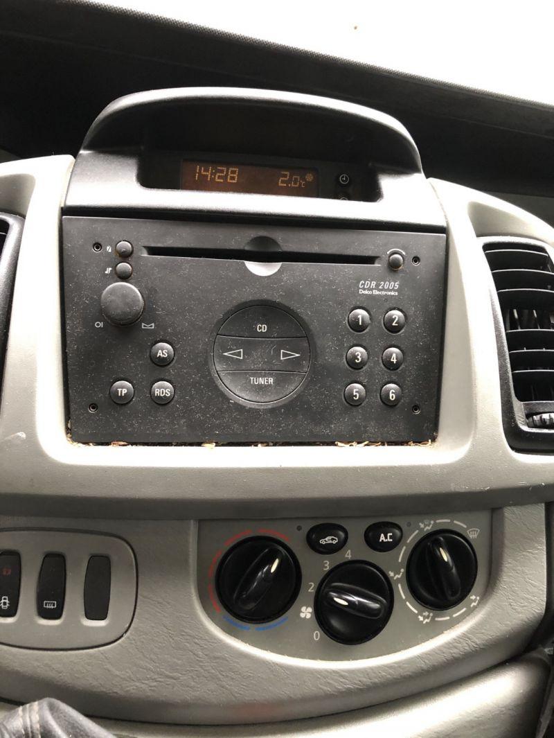 12- Opel Vivaro