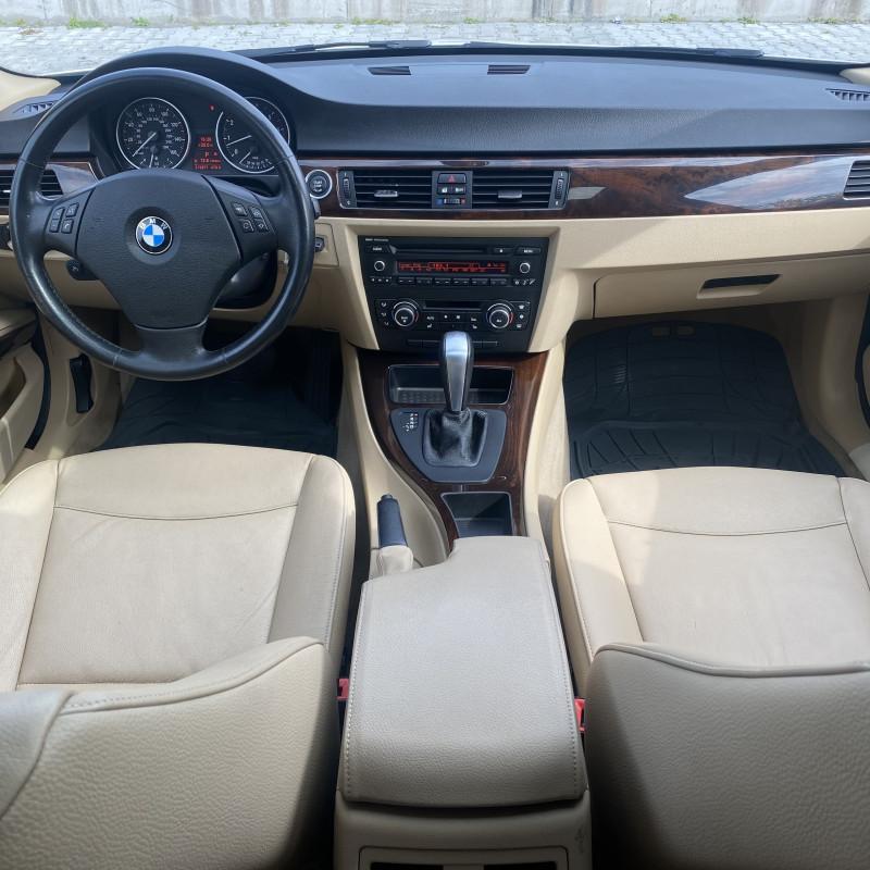 BMW 330 - image 11