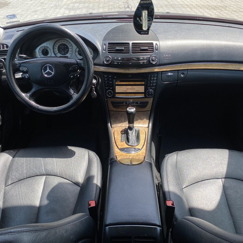 Mercedes-Benz Е 300 - image 10