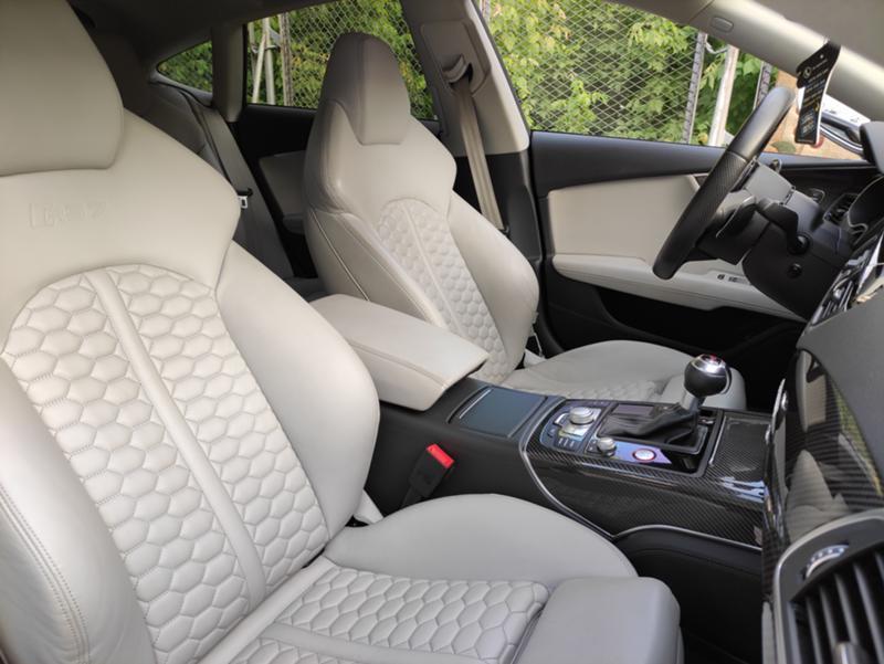 Audi RS7 - image 10