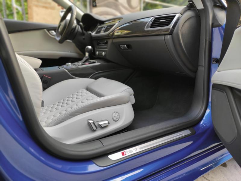Audi RS7 - image 8
