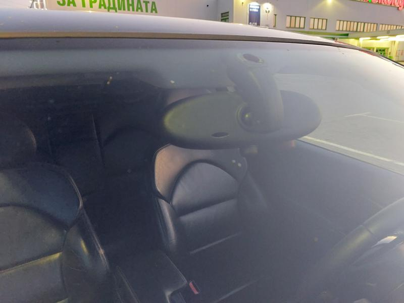 BMW 318 - image 12