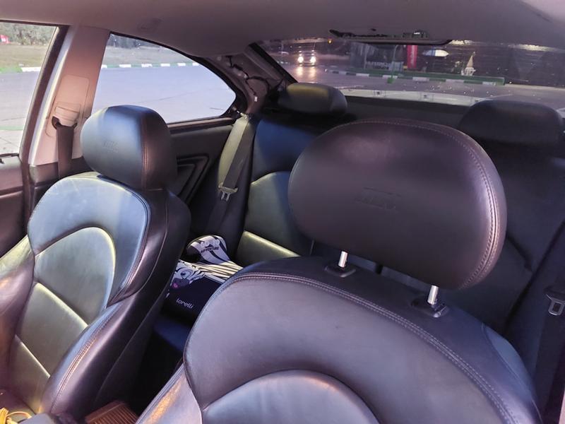 BMW 318 - image 10
