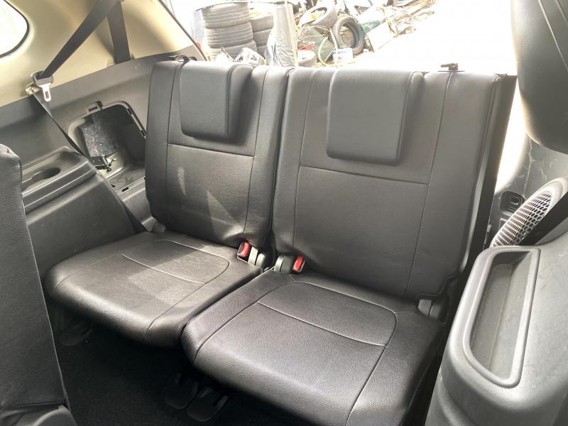 Mitsubishi Outlander - image 10