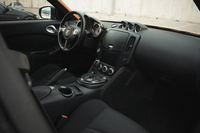 Nissan 370 Z - image 10